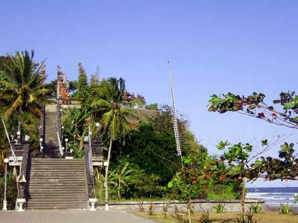 steile Tempeltreppe