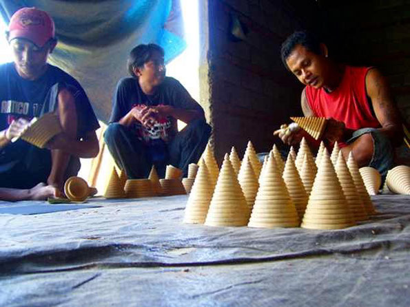 handicraft artists