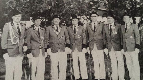 v.l.n.r.: Johannes Syben, Adreas Schiffer, Friedhelm Kronen, Josef Zester, Jakob Giesen, Peter Dappen, Herbert Schlag