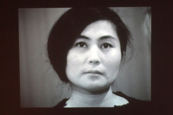 Cut Piece - 1964 - 1965 - Yoko Ono (Japon / Etats-Unis) - La Sucrière - Lyon - Photos © Anik COUBLE