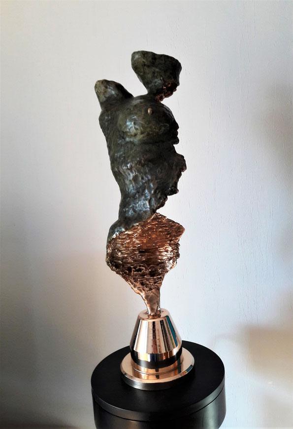 Bronze      environ  6.5Kg      H46.7cm
