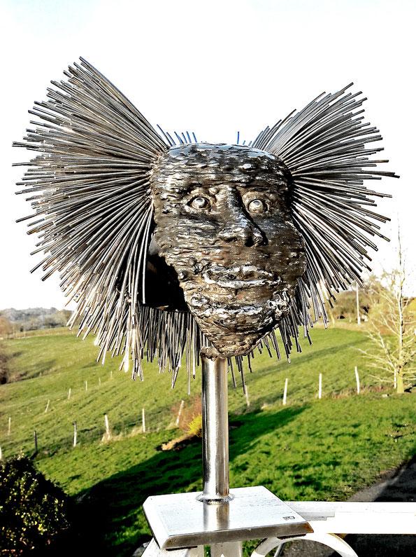 Sculpture métal inox   soudure brute + chute inox  poids10Kg  Hauteur 48cm