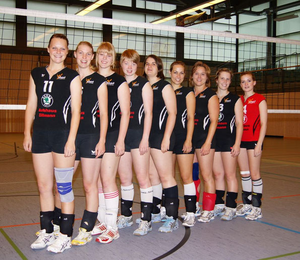 Lena, Esther, Sophie, Ailyn, Svenja, Esther, Katja, Julika und Linda. Verbandsliga Saison 2011/12