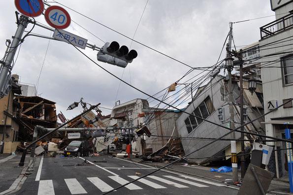 災害直後の気仙沼市街(写真:気仙沼市)