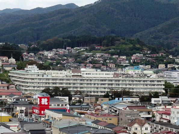 高台に建つ旧市立病院