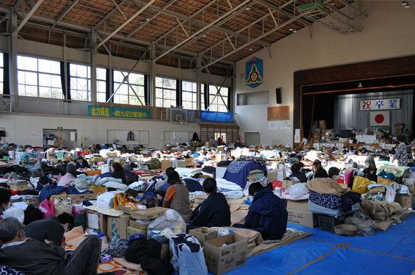避難所となった学校(鹿折中学校)
