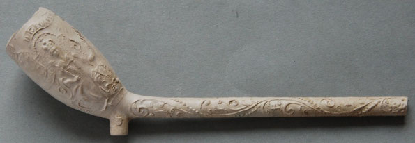 In tekstlint boven ; D.GEWAPENDE en 'NeutRALITEit' (?!) Tevens wapens van Denemarken, Zweden en de tekst BIBLIA. Hielmerk MELKMEID. Wapenschilden met teksten ZWEDEN en DENEMA, ca 1770-1850