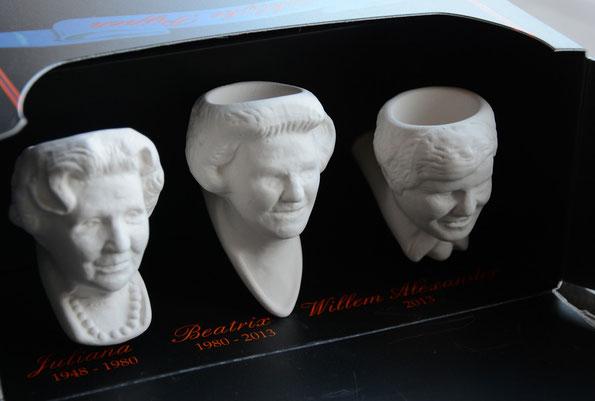 Serie van 3 pijpjes met afbeeldingen Juliana, Beatrix en Willem Alexander, gemaakt in 2013 ter gelegenheid van de Troonswisseling