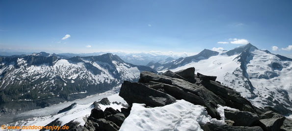 Hohe Tauerrn - Rechts Großvenediger (3.674 m)