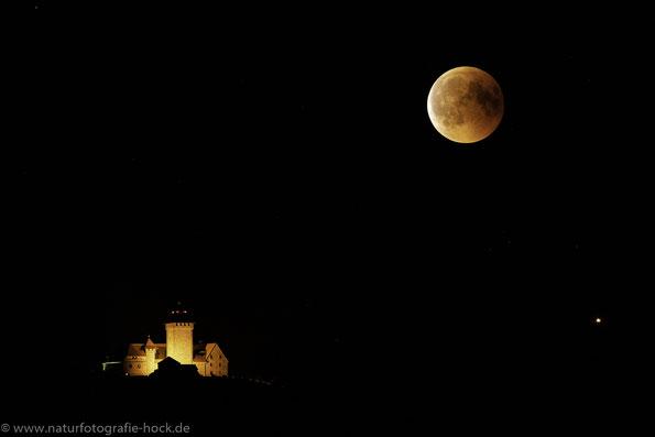 Endergebnis 23.12 Uhr, kurz bevor der Mond wieder aus dem Kernschatten taucht bei 750mm