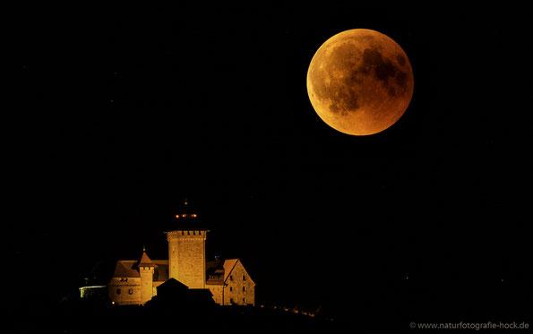 Wachsenburg mit Mondfinsternis bei ca. 900mm