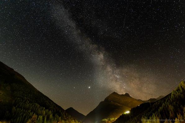 Richtig dunkel war es nur für kurze Zeit, dann war aber die Milchstraße sehr schön zu sehen.