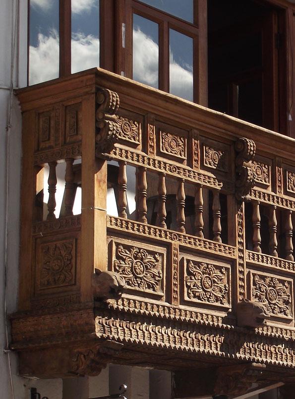 puma architecture Cusco Peru balcony