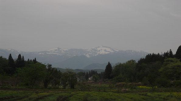 刈田岳、熊野岳(蔵王連峰、宮城県川崎町から)