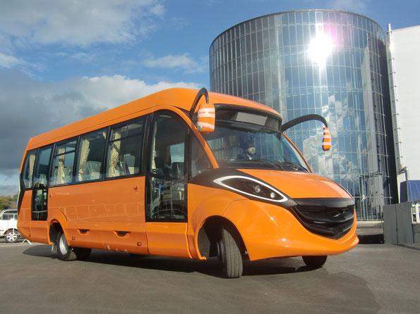 """Проект междугороднего автобуса особо малого класса Intech 2250-05 """"LISA"""" на шасси IVECO Daily 70С15"""