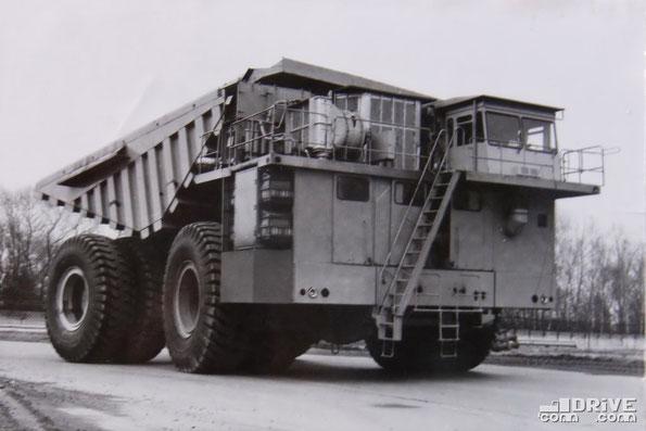 Крьерный самосвал БелАЗ-7550. Фото архивное