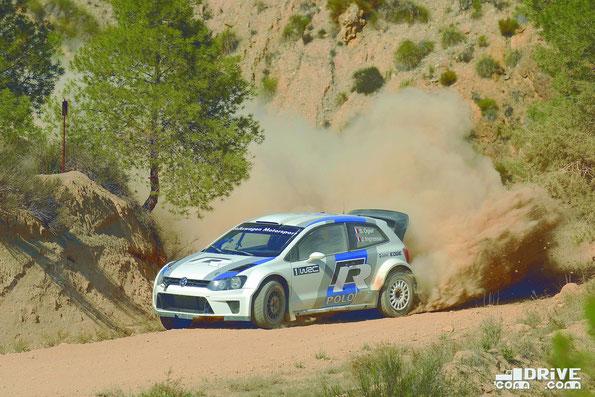 Спортивный автомобиль Volkswagen Polo R WRC. Фото фирменное