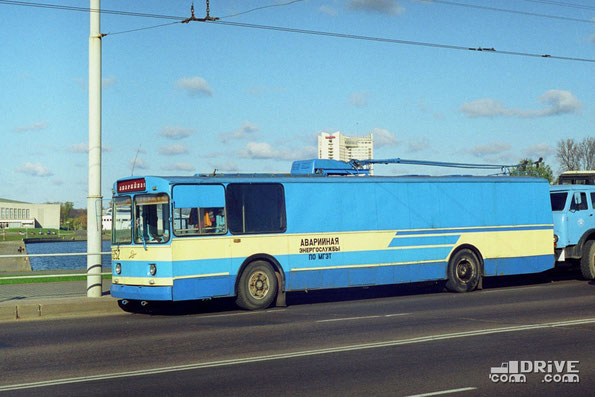 Переоборудование ЗИУ-682 в грузопассажирский вариант силами ТД-5 г. Минска. Фото Дмитрия Гладкого