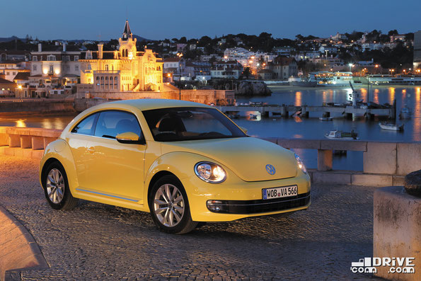 Интересно, что Volkswagen Beetle эффектно смотриться при любом освещении. Фото фирменное
