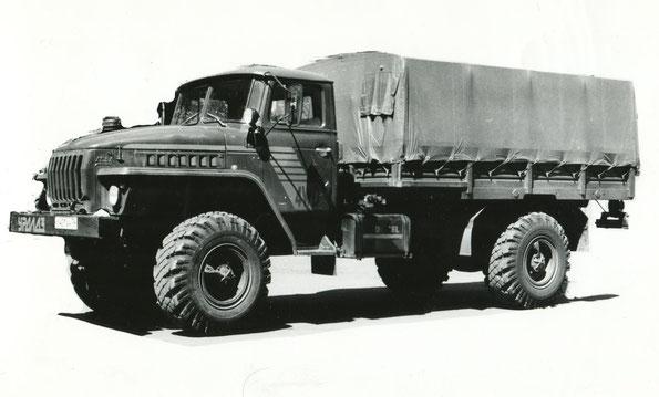 Грузовой автомобиль повышенной проходимости Урал 43206. Возможно первоначально носил индекс Урал-4325. Фото архивное