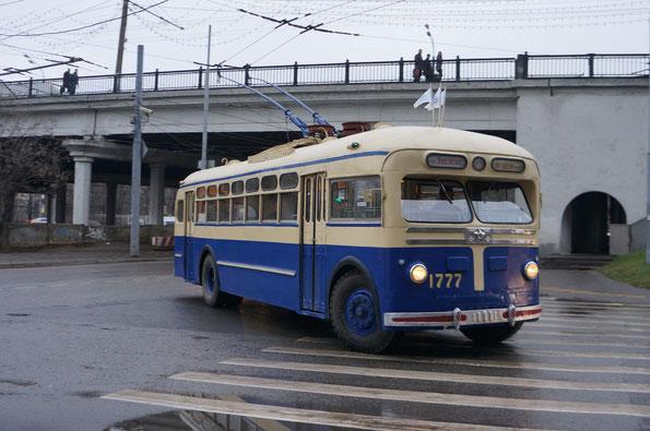 """Троллейбус """"Завода имени Урицкого"""" - МТБ-82Д, 1954 года. Отреставрирован на МТРЗ в 1993 году"""