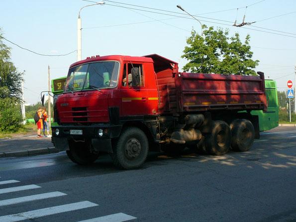 Самосвал с трехсторонней разгрузкой TATRA T815-2 S3. Минск. 18.07.2007