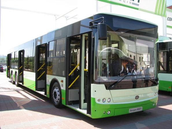 Городской автобус особо большого класса Богдан A801. TIR-2010. Фото Ольги Москалевой