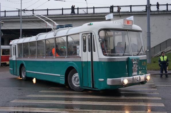 """Троллейбус """"Сокольнического вагоноремонтного завода"""" - ТБЭС-ВСХВ, 1957 года."""