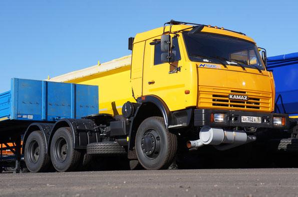 Седельный тягач КАМАЗ-65116 (до фэйслифтинга) для транспортировки прицепов с огнеопасными грузами. 26.09.2012