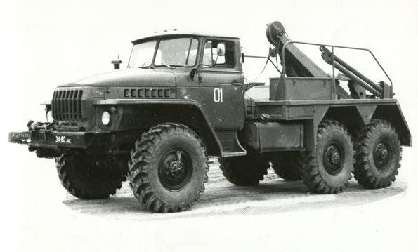 Эвакуационный тягач КЭТ-Л на шасси Урал 4320. Фото архивное