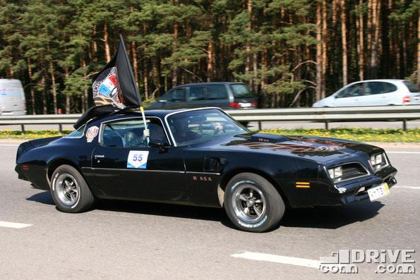 Pontiac Trans Am.  Двигатель объемом 6,6 литра