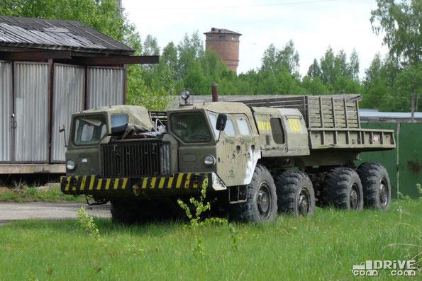 Бортовой МАЗ-543П. Использовался в качестве балластного тягача на Дмитровском автополигоне. 21/05/2009