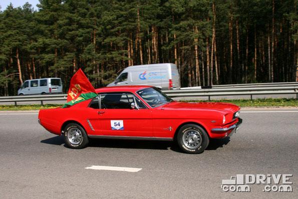 Ford Mustang. Двигатель объемом 4,7 литра