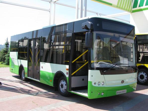 Midi-bus Богдан A092.80. По сути, это прототип автобуса Богдан A30212. TIR-2010. Фото Ольги Москалевой