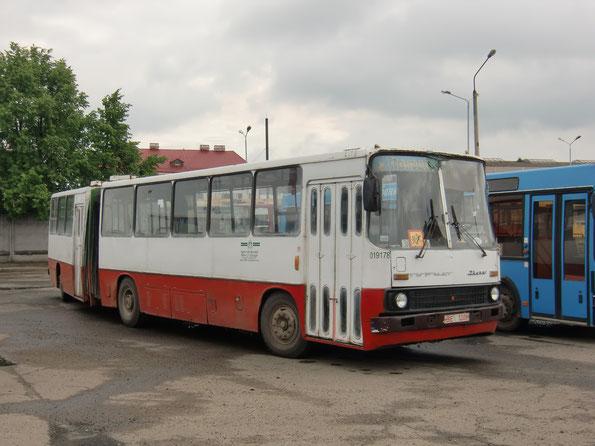 Пригородный автобус особо большой вместимости Ikarus 280.03. Схема дверей 2-0-2-0 (ширмовые). Полоцк. 13/06/2010