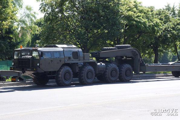 Увидеть МАЗ-7410 даже в Минске можно не часто. Разве что на парадах...