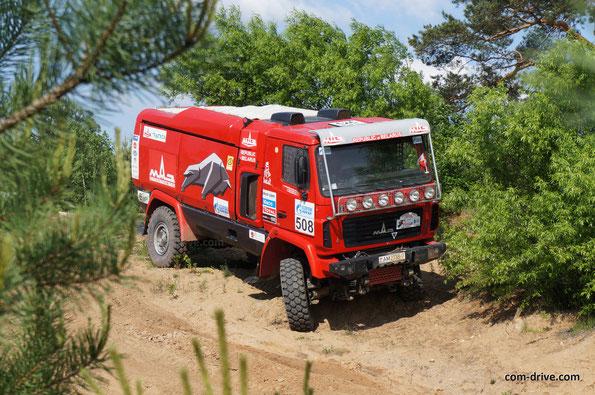 МАЗ-5309RR во время тренировок к гонкам. В Dakar 2014 учавствует под номером 521. Минск. 27.05.2013