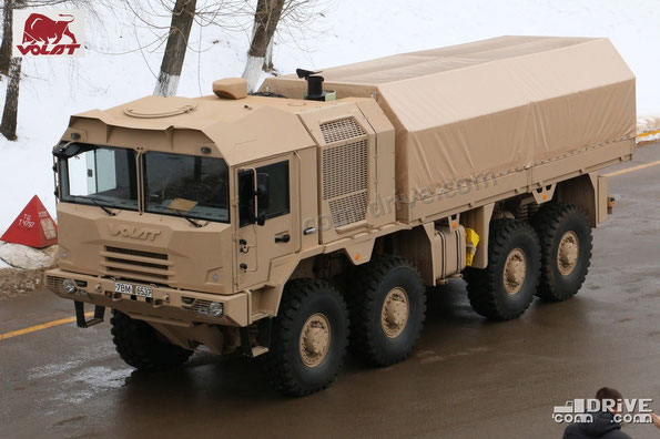 Бортовой грузовик на шасси МЗКТ 600201 для IDEX-2015. Фото фирменное