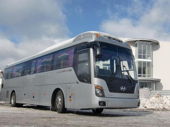 Междугородный автобус Hyundai UniverseSpace Luxury. Площадка Русбизнесавто. 04/03/2011