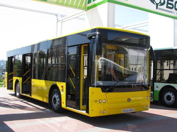 Городской автобус среднего класса Богдан A601. TIR-2010. Фото Ольги Москалевой