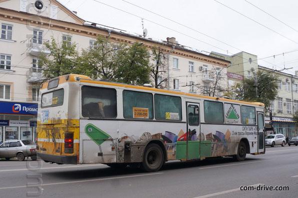 """Несмотря на """"пригородную"""" для нас формулу дверей 1-1-0, автобус работает на городских маршрутах"""