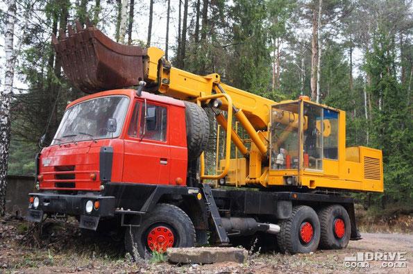 Экскаватор UDS-114 на шасси TATRA T815-2 P2 6Х6.2. Поселок Боровая. 08.11.2013