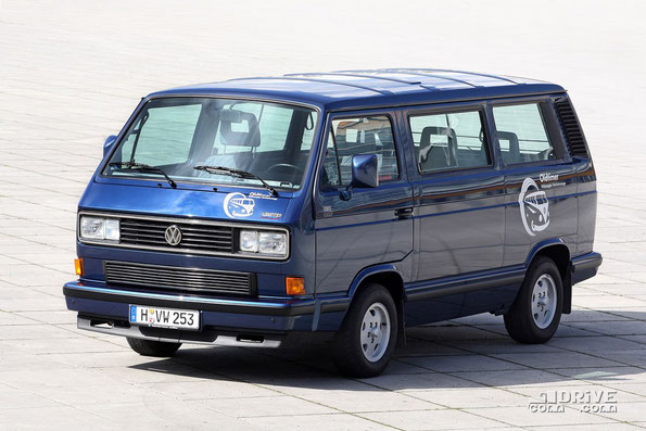 VW Caravelle Carat на базе VW T3. Фото фирменное