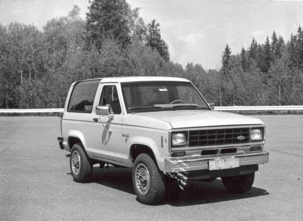 Внедорожник Ford Bronco II во время испытаний в СССР. Фото архивное
