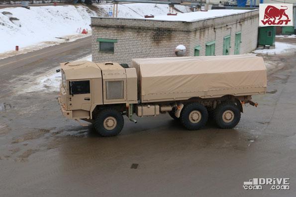 Бортовой грузовик на шасси МЗКТ 600100 для IDEX-2015. Фото фирменное