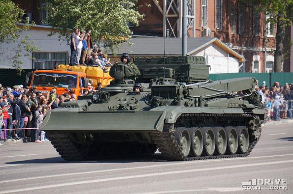 Бронированная ремонтно-эвакуационная машина БРЭМ-1 (Объект 608). Создана на базе танка Т-72
