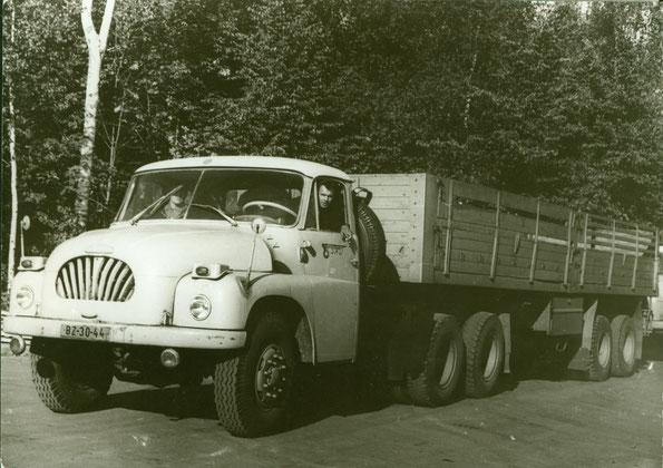 Седельный тягач TATRA T138 NT. Фото архивное
