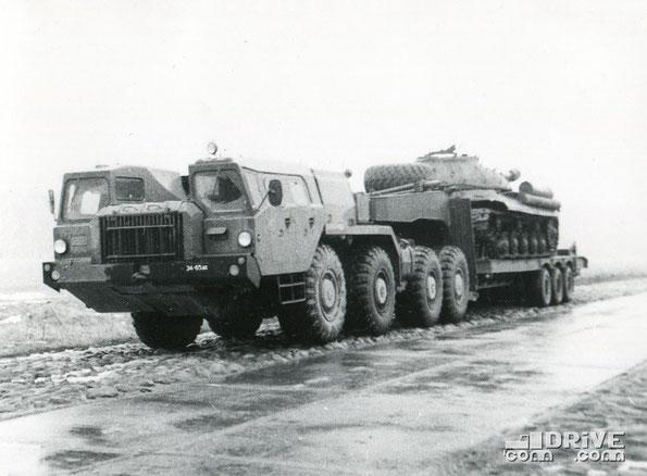 Седельный тягач МАЗ 7410 во время испытаний. Фото архивное