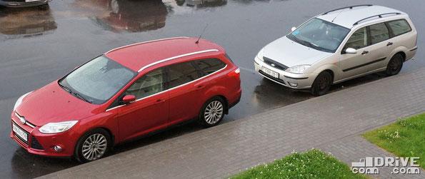 Два поколения Ford Focus в кузове универсал. По моему, эволюция налицо...