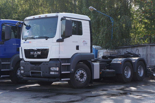 Седельный тягач MAN TGS 33.440 (26WZZ1). С упрощенным бампером. Площадка Русбизнесавто. 09/08/2012